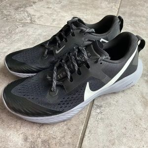 Nike Air Zoom Terra Kiger 5 Trail Running 9.5